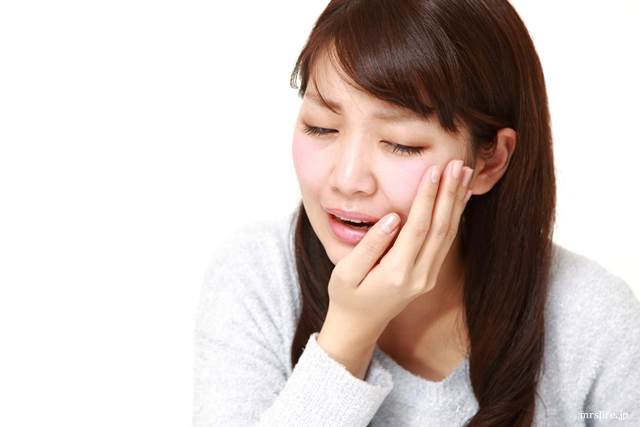 虫歯がある女性