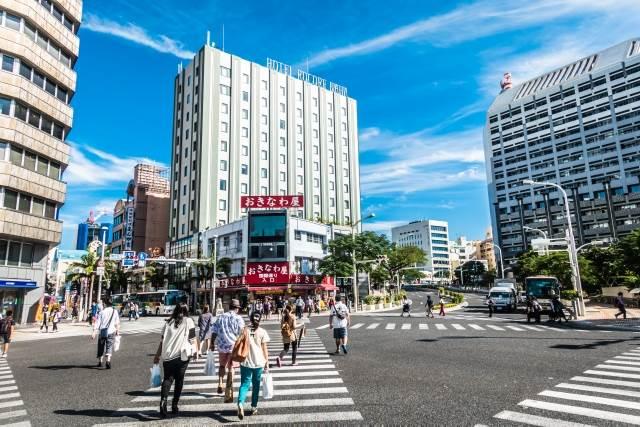 沖縄の市街地