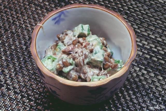 焼き梅干し入りオクラ納豆