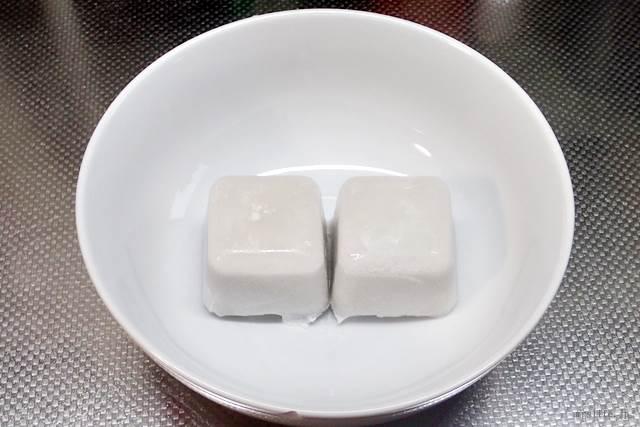 凍らせたココナッツミルク